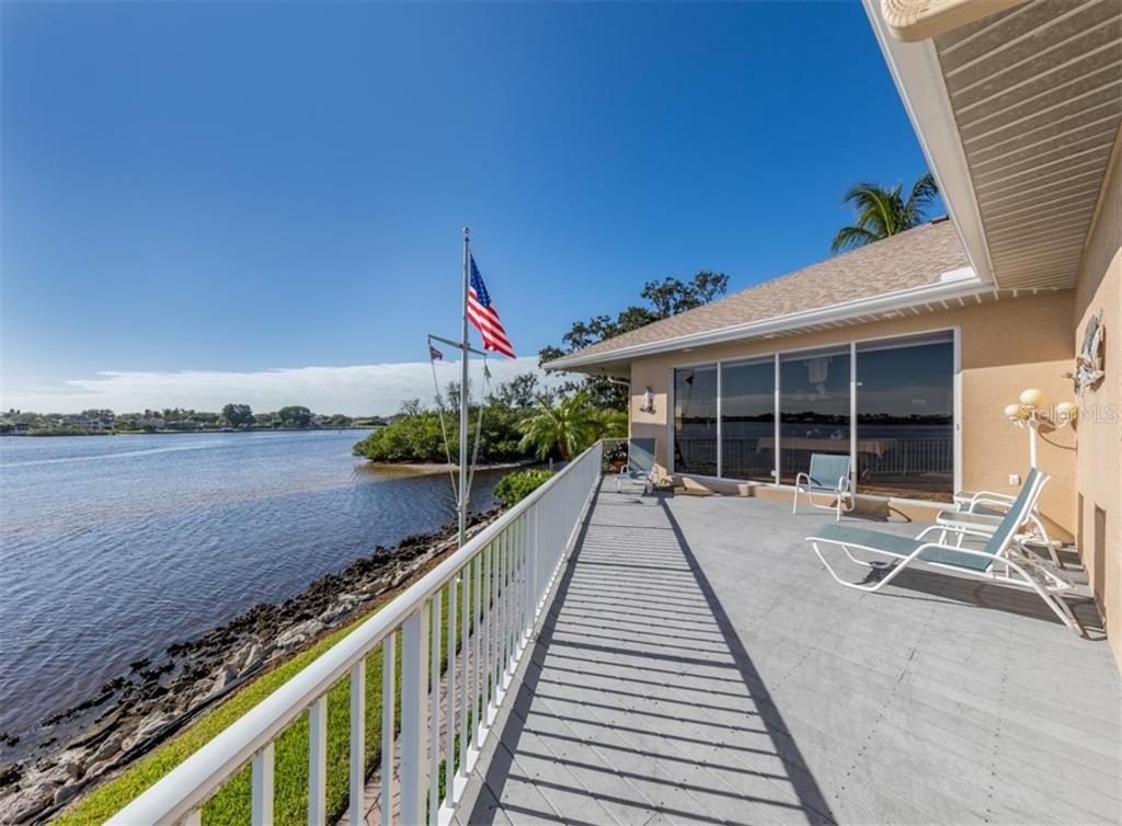 Waterfront - Single Family Home for sale at 453 Anchorage Dr, Nokomis, FL 34275 - MLS Number is N6112707