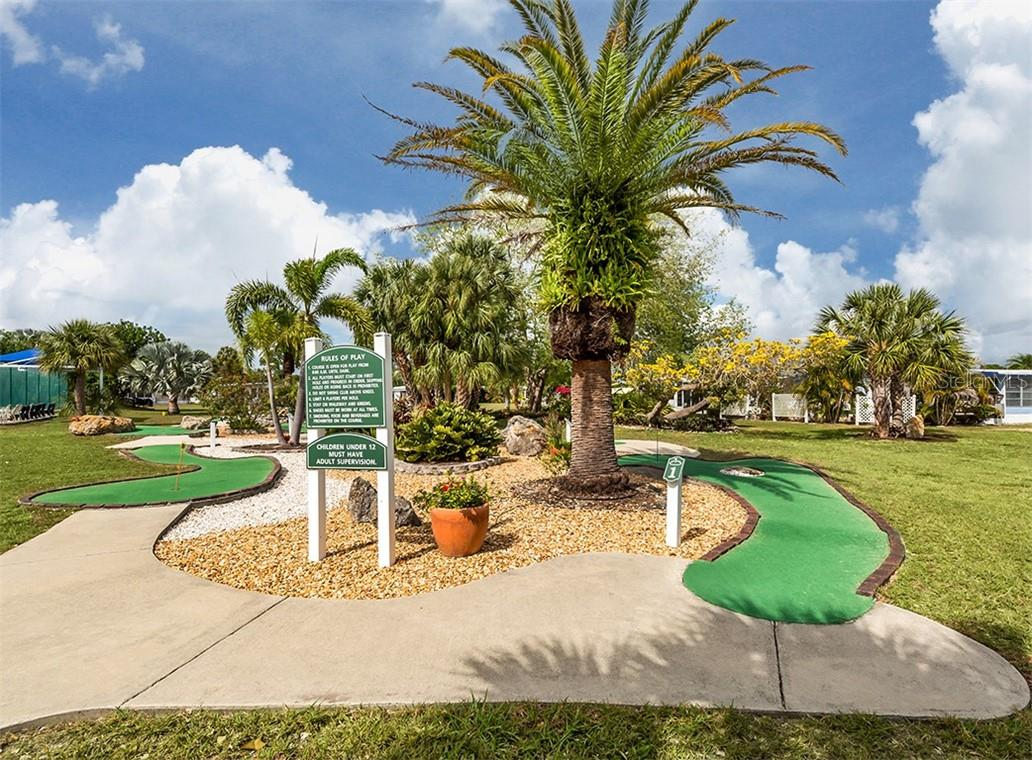 Putt, putt - Single Family Home for sale at 512 Cervina Dr S, Venice, FL 34285 - MLS Number is N6113162