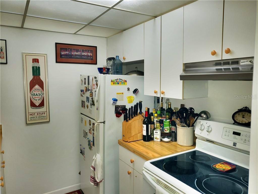 Kitchen - Condo for sale at 622 Bird Bay Dr S #107, Venice, FL 34285 - MLS Number is N6113304