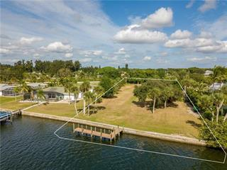 395 Anchor Row, Placida, FL 33946