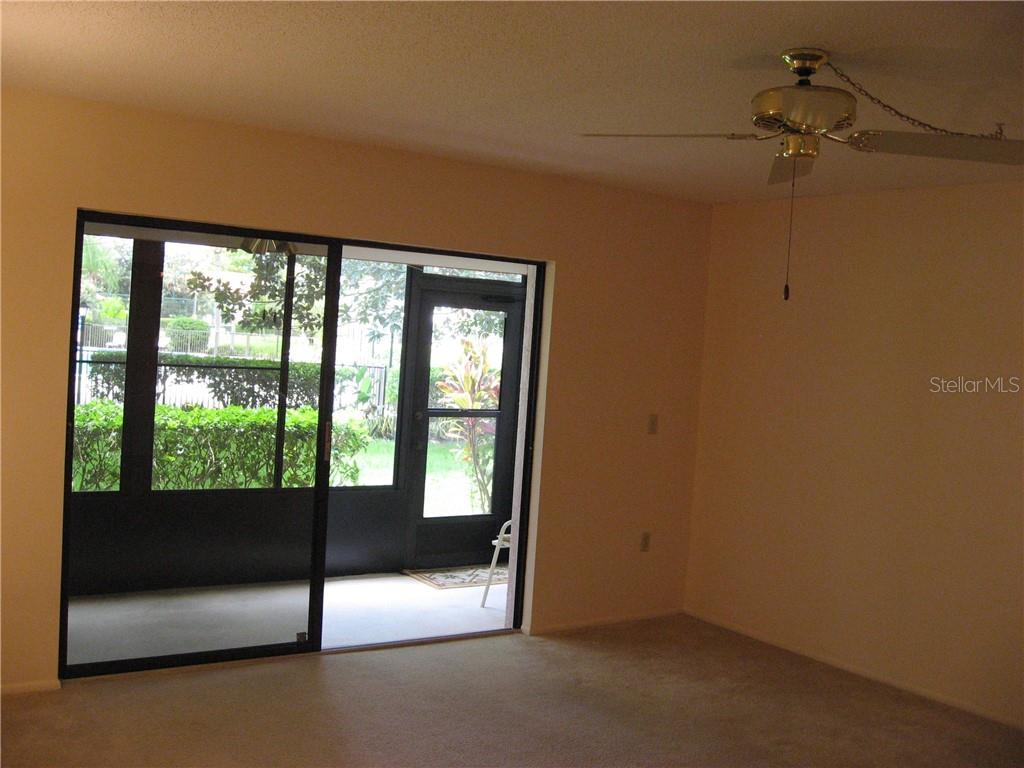 5757 Gardens Dr, Sarasota, FL 34243 - MLS U8015611