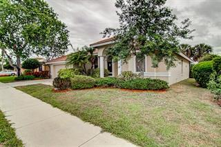 8927 Huntington Pointe Dr, Sarasota, FL 34238