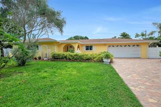 5522 Yorkshire Way, Sarasota, FL 34231