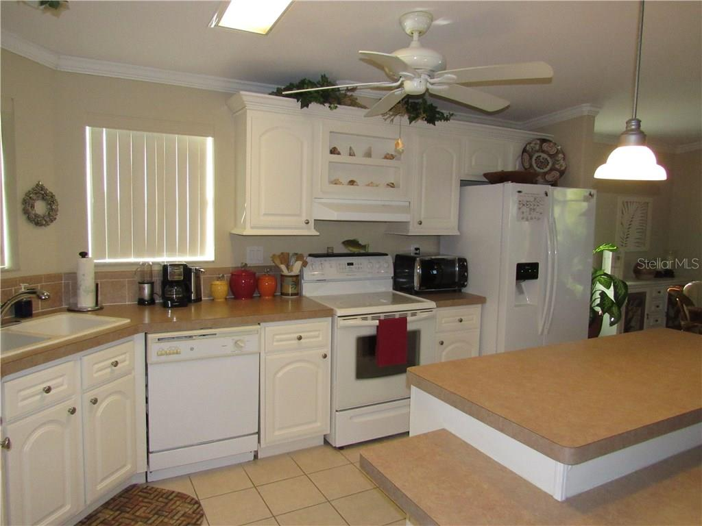 Single Family Home for sale at 3113 Coquina Esplanade, Punta Gorda, FL 33982 - MLS Number is C7250640