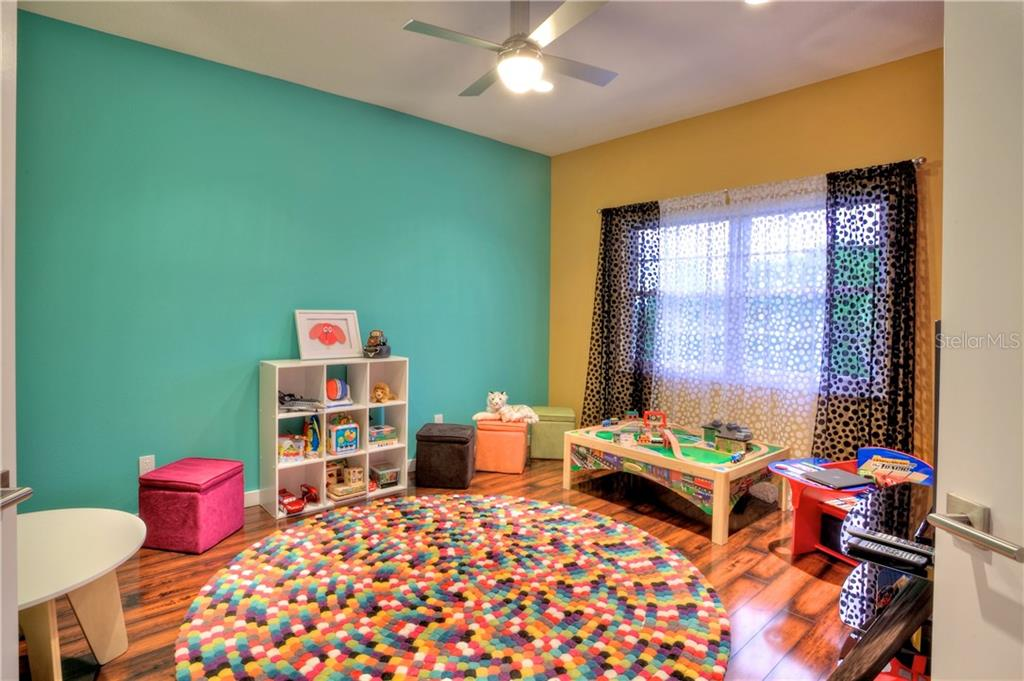 Additional photo for property listing at 5016 64th Dr W 5016 64th Dr W Bradenton, Florida,34210 États-Unis