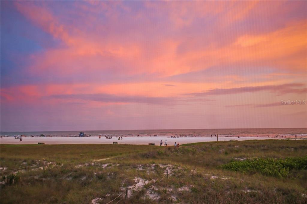 Additional photo for property listing at 680 Beach Rd 680 Beach Rd Sarasota, Флорида,34242 Соединенные Штаты