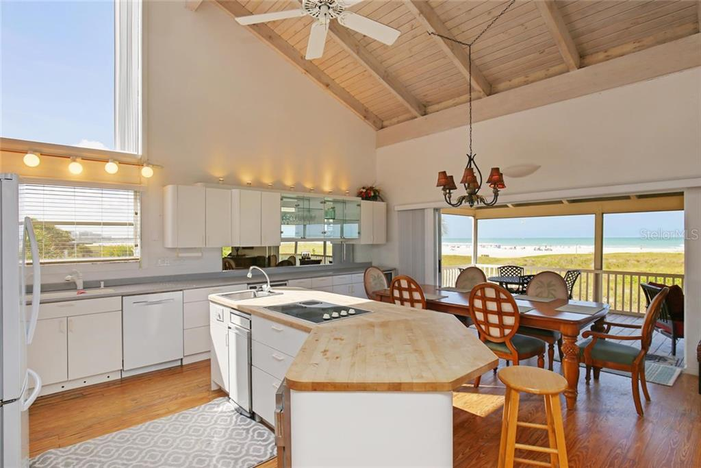 Additional photo for property listing at 680 Beach Rd 680 Beach Rd Sarasota, Florida,34242 Stati Uniti