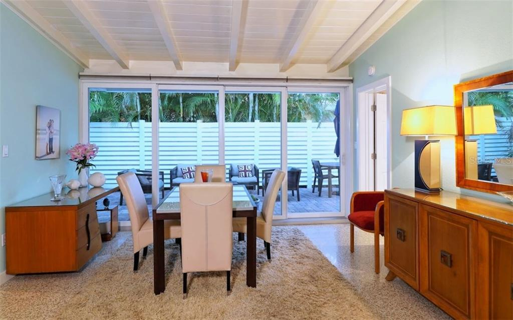 Single Family Home for sale at 322 Jackson Dr, Sarasota, FL 34236 - MLS Number is A4196493