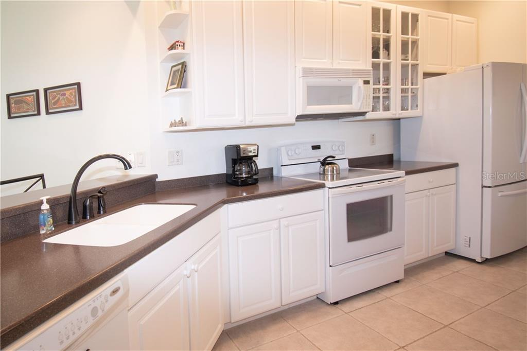Kitchen - Villa for sale at 1808 Batello Dr, Venice, FL 34292 - MLS Number is A4426491