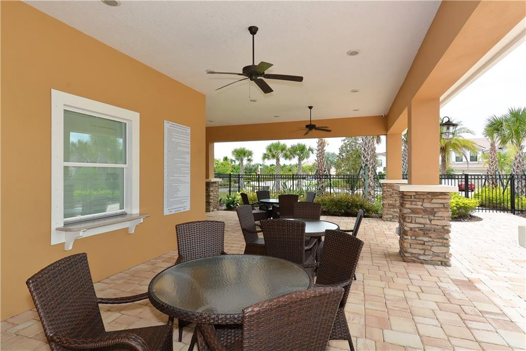 Single Family Home for sale at 5327 Applegate Ct, Bradenton, FL 34211 - MLS Number is A4430433