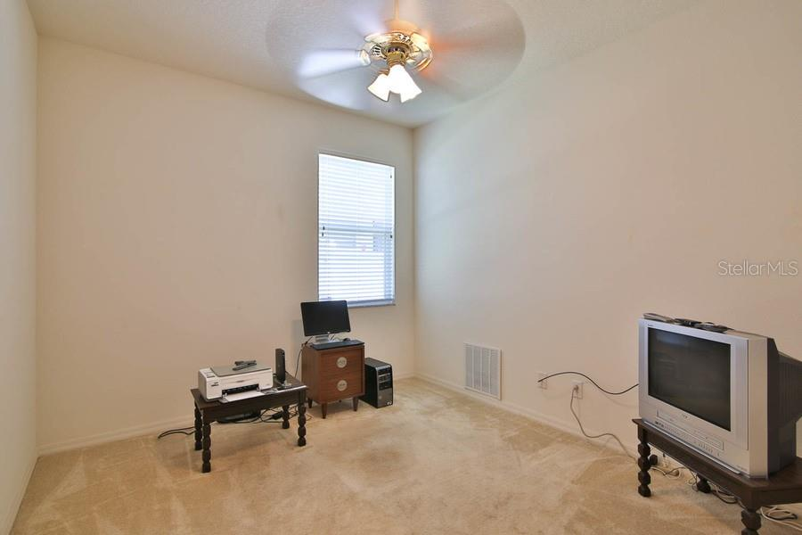 Bedroom 3 - Single Family Home for sale at 4992 Creekside Trl, Sarasota, FL 34243 - MLS Number is A4433429
