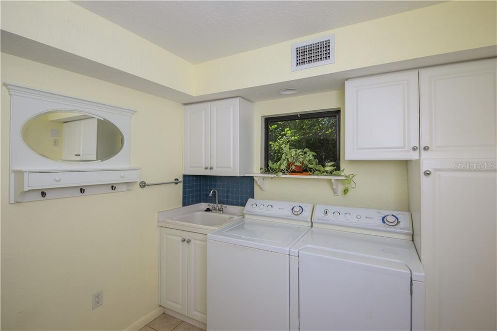 Laundry room - Single Family Home for sale at 7611 Alhambra Dr, Bradenton, FL 34209 - MLS Number is A4434753