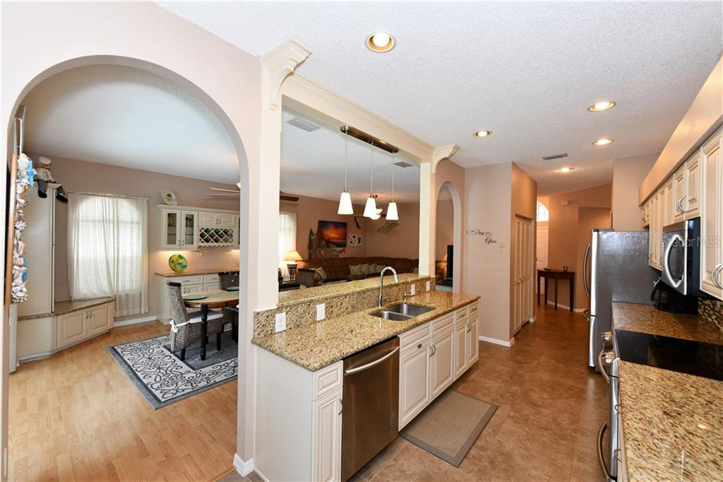 Love this layout and the kitchen is gorgeous! - Single Family Home for sale at 4074 Via Mirada, Sarasota, FL 34238 - MLS Number is A4439141
