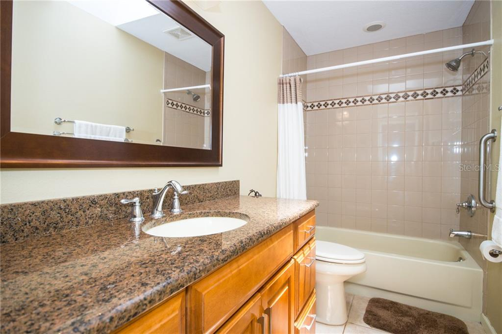 Updated guest bathroom. - Condo for sale at 4001 Catalina Dr, Bradenton, FL 34210 - MLS Number is A4443126