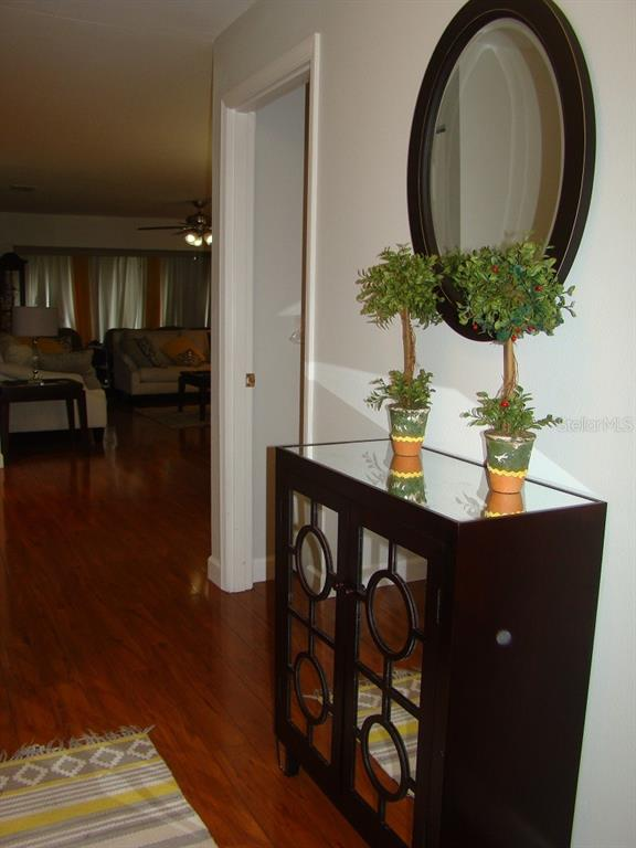 Foyer looking to living - Villa for sale at 3008 Ringwood Mdw #5, Sarasota, FL 34235 - MLS Number is A4443322