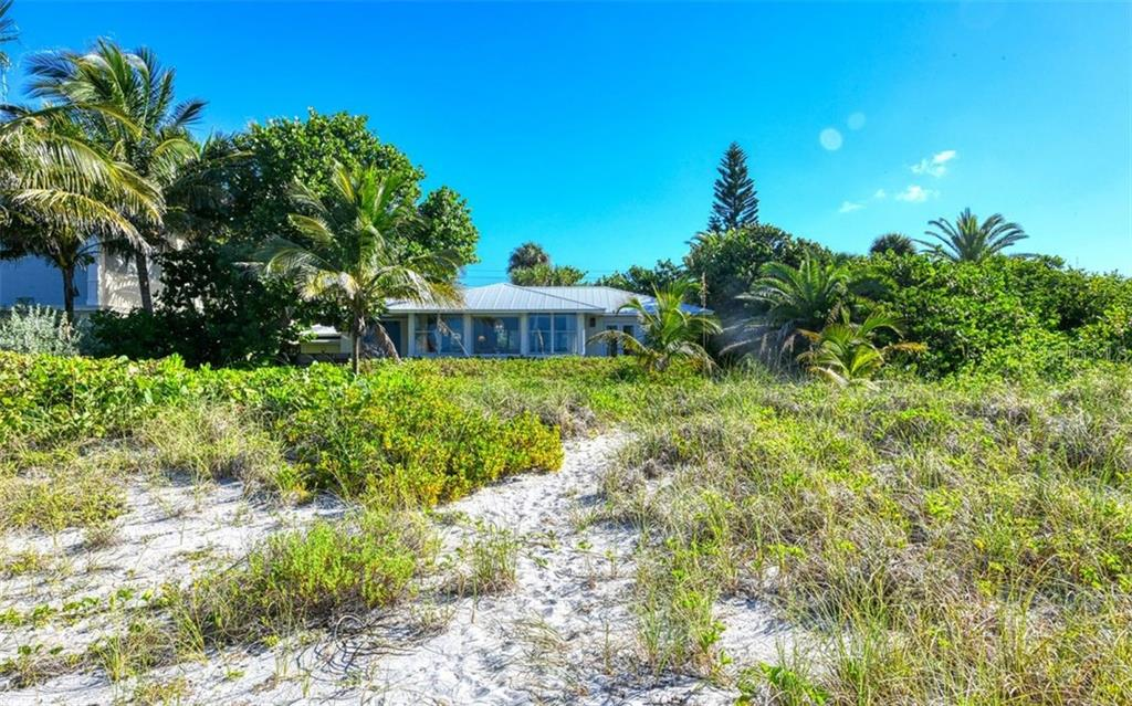 Single Family Home for sale at 2923 Gulf Of Mexico Dr, Longboat Key, FL 34228 - MLS Number is A4448679
