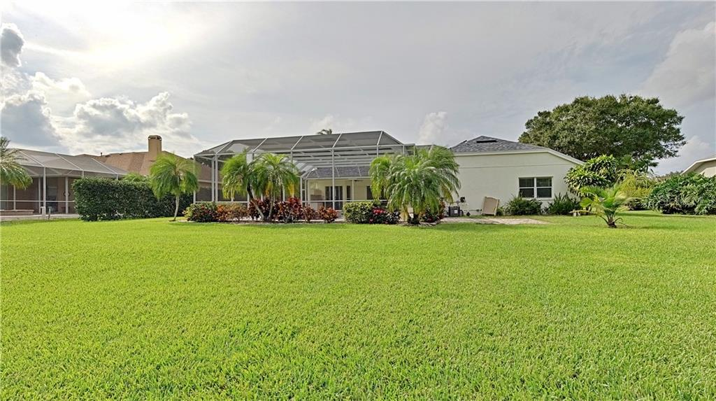 Single Family Home for sale at 6201 Glen Abbey Ln, Bradenton, FL 34202 - MLS Number is A4450003