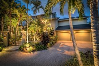 1241 Tree Bay Ln, Sarasota, FL 34242