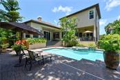 Single Family Home for sale at 1835 Lincoln Dr, Sarasota, FL 34236 - MLS Number is A4439344