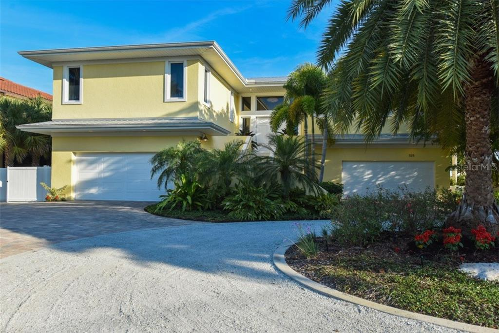 Front Elevation - Single Family Home for sale at 525 Bayview Pkwy, Nokomis, FL 34275 - MLS Number is N5912985