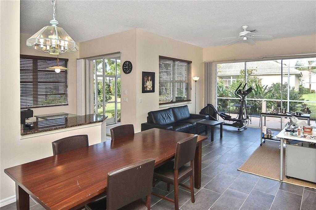 Great room - Single Family Home for sale at 724 Silk Oak Dr, Venice, FL 34293 - MLS Number is N6102801