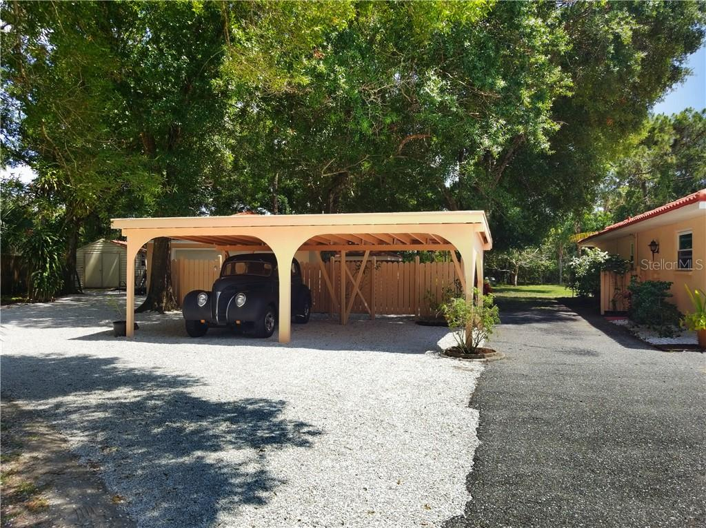 Single Family Home for sale at 2506 Hermitage Blvd, Venice, FL 34292 - MLS Number is N6104120