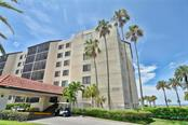2045 Gulf Of Mexico Dr #m1-112, Longboat Key, FL 34228